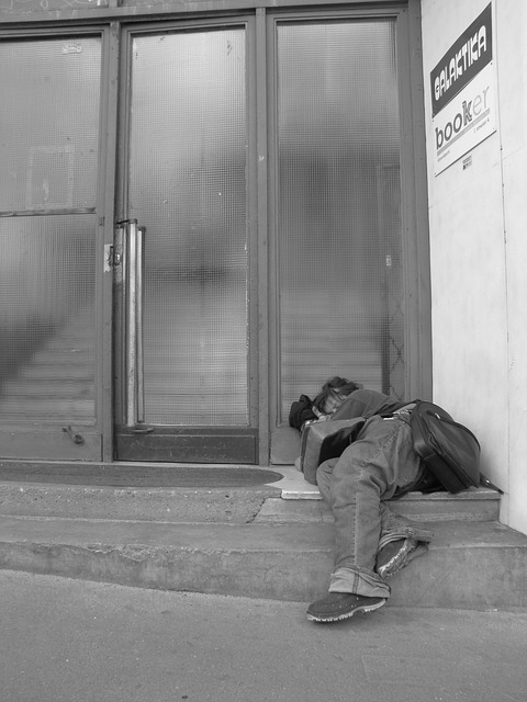 homeless-350271_640